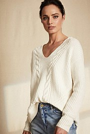 Cable Trim V Neck Knit