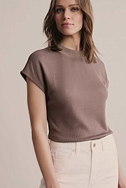 Rib Extended Shoulder Top